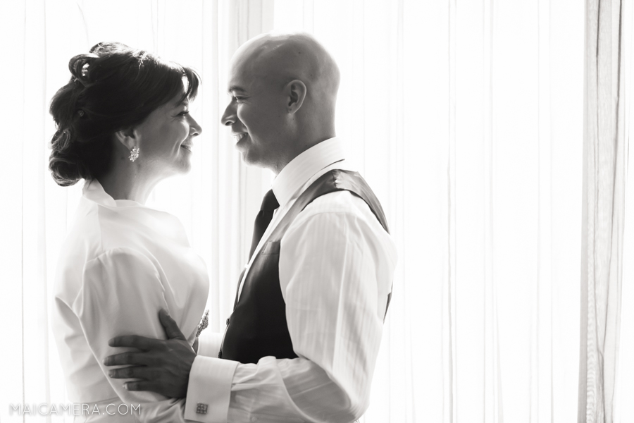 Portland Wedding Photographer, Embassy Suites Hotel Wedding by MaiCamera Photography