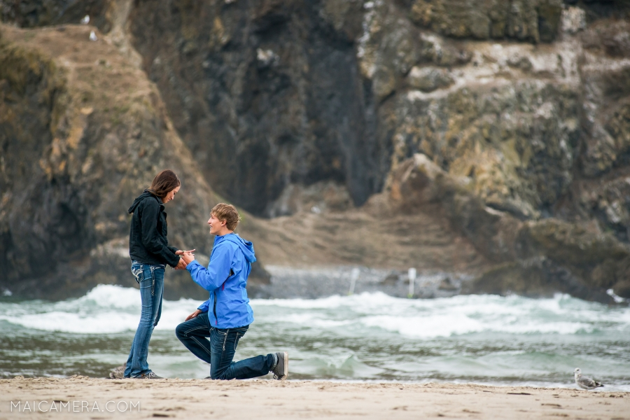 Cannon Beach Surprise Proposal by MaiCamera Photography
