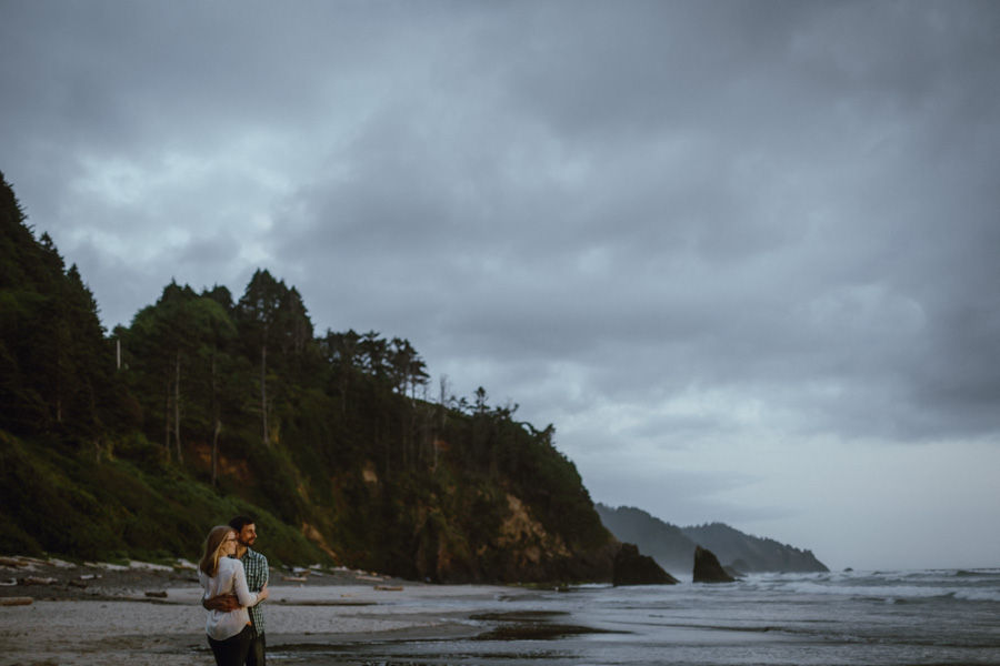 hug-point-oregon-coast-engagement-photography-1