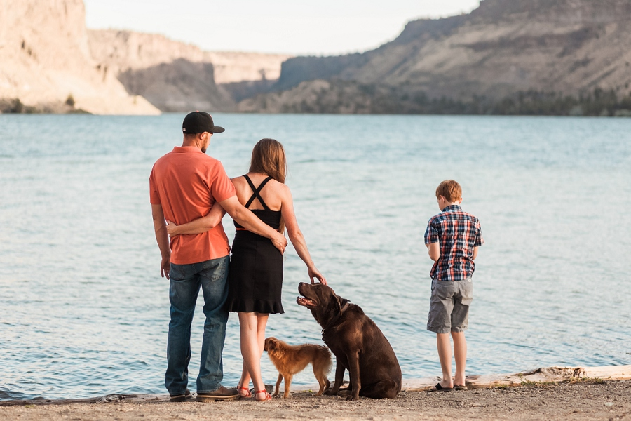 family photos with pets. dogs, lake photos, family photography Oregon, Lacey Monroe Photography